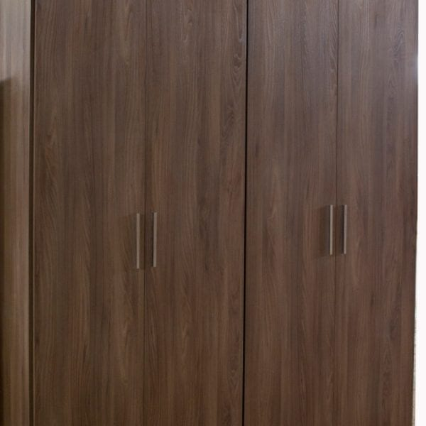 Ανοιγόμενη ντουλάπα 1